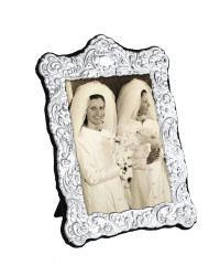 N Series - Traditional Victorian photo frame